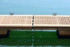 пристань деревянная стоковое изображение rf