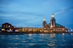 Пристань на ноче, Чикаго военно-морского флота Чикаго, Иллинойс стоковое фото