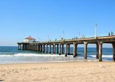 Пристань на Manhattan Beach Лос-Анджелесе с чайкой Стоковое Изображение RF