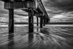 Пристань океана на пляже i Стоковое Изображение RF