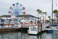 Пристань острова бальбоа около пляжа гавани Ньюпорта в Калифорнии Стоковая Фотография RF