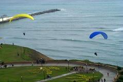 пристань Перу paragliding miraflores lima Стоковая Фотография RF