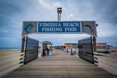 Пристань рыбной ловли в Virginia Beach, Вирджинии стоковое фото rf