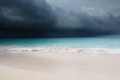 приходя шторм тропический стоковое фото