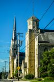 Приход и школа St Charles в городском Burlington, WI стоковая фотография rf