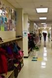 Прихожая начальной школы Стоковое фото RF