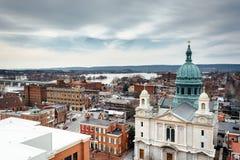 Приход собора St. Patrick увиденный от южной улицы стоковое фото