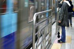 причаливая поезд Стоковые Фотографии RF