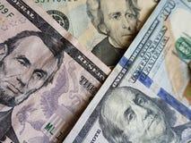 причальте к американским счетам долларов, экономике роста, предпосылке и текстуре стоковые фотографии rf