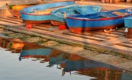причал дня шлюпок солнечный Стоковое Фото