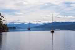 Причаленные парусники на реке Huon, Тасмании Стоковая Фотография RF