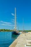 Причаленные яхты в Supetar Стоковое Изображение RF