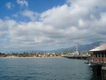 Причал и пляж на Санта-Барбара Стоковая Фотография