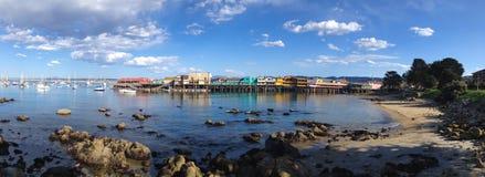 Причал рыболова на заливе Калифорнии Монтерей стоковые фотографии rf