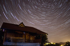 причиненная камерой звезда вращения s движения выдержки земли длинняя отставет Стоковая Фотография