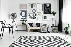 Причудливая мебель в салоне Стоковые Изображения