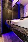 Причудливая черная идея ванной комнаты Стоковое фото RF
