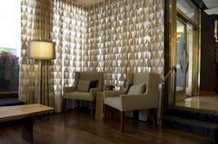 Причудливое лобби фронта гостиницы стоковая фотография rf
