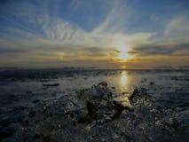 пришел заход солнца тумана вверх по зиме Стоковое Изображение