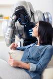 Приятная девушка используя компьтер-книжку Стоковое Изображение RF