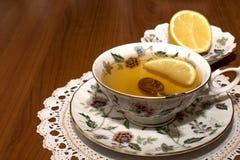 придайте форму чашки чай лимона Стоковое Фото