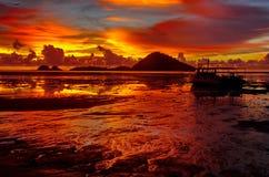 Приливы захода солнца вне Стоковые Изображения