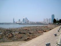 Прилив моря в городе Стоковые Изображения RF