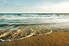 Прилив на пляже Стоковое Изображение RF