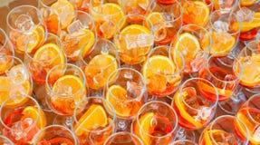 Пробелы для освежая коктеиля лета с вермутом и апельсином над взглядом Стоковое Фото