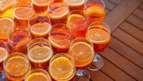 Пробелы для освежая коктеиля лета с вермутом и апельсином над взглядом Стоковое фото RF