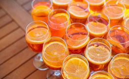 Пробелы для освежая коктеиля лета с вермутом и апельсином над взглядом Стоковые Фото