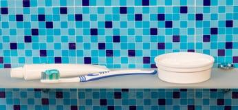 Пробка зубной пасты и зубной щетки Стоковая Фотография RF