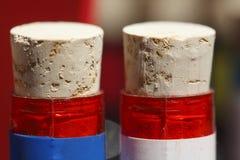 Пробочки бутылки на бутылках Стоковое Фото