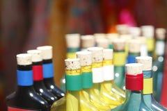 Пробочки бутылки на бутылках Стоковая Фотография RF