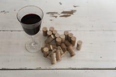 Пробочки и бокал вина вина Стоковое Изображение RF