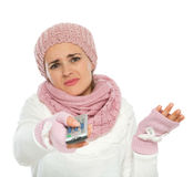 Пробуренная женщина используя дистанционное управление TV Стоковая Фотография RF