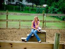 Пробуренный девочка-подросток фермы Стоковые Фотографии RF