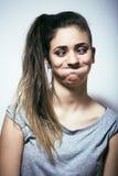 Проблема depressioned подростковое с messed волосами и унылой стороной, реальными Стоковое Изображение