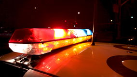 Проблескивать светлого бара полицейской машины акции видеоматериалы