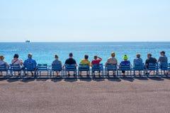 Провансаль, славная, Франция сентябрь 2017 Известные голубые стулья на azur ` Коута d стоковое фото