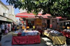 Провансальские скатерти и ходят по магазинам цвета Camargue Стоковое фото RF