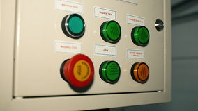 Проверите пульт управления в ожидании сосуда акции видеоматериалы