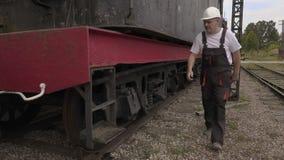 Проверка железнодорожника колеса видеоматериал