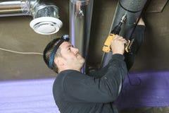 Проверка уборщика вентиляции для пыли на ей Стоковое Изображение