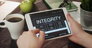 Проверять данные по целостности используя планшет акции видеоматериалы