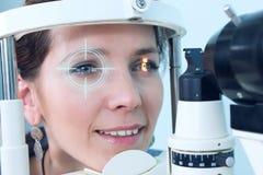 Проверять зрение в клинике будущего Стоковая Фотография