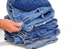 проверять пары человека джинсыов стоковое изображение rf