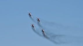 Проведение демонстрации группы в составе авиации аэробатик Milita Стоковое фото RF