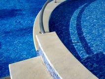 Проводите летний день в бассейне Стоковые Фото