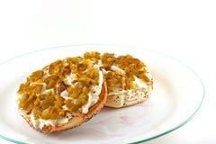 Провозглашанный тост плавленый сыр бейгл & покрытый с Jalapenos Стоковое Изображение RF